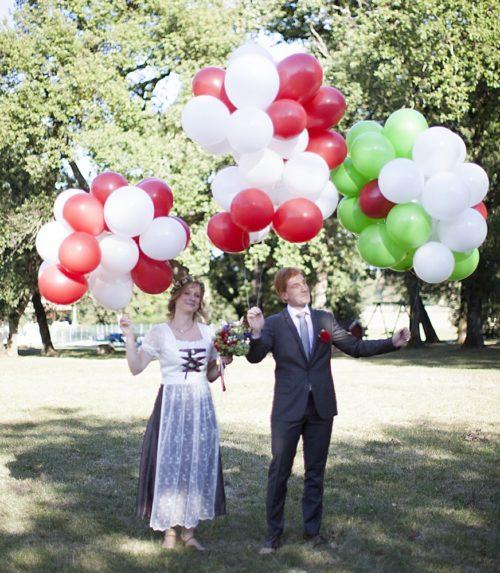 arrivee maries franco allemand ballons Toulouse dirndl