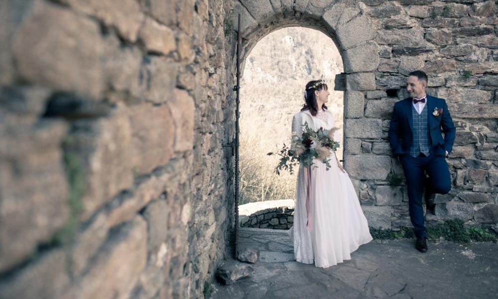 Les mariés dans les ruines du château d'Hautpoul